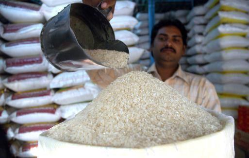 Giá gạo Việt Nam cao so với Thái lan và Ấn Độ